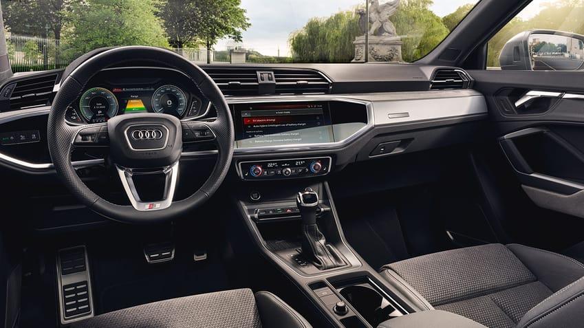 Audi Q3 Sportback TFSI e MMI display