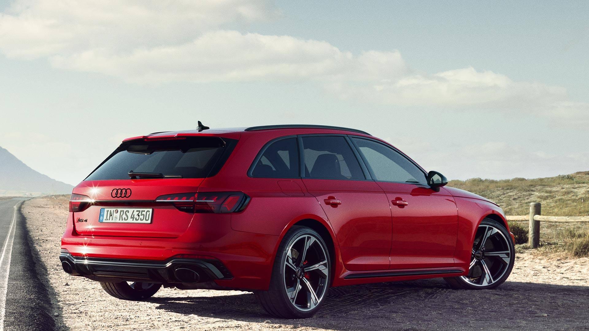 Rear view Audi RS 4 Avant